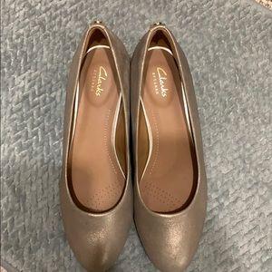 Like new Clark's dress shoes